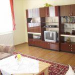Wohnzimmer mit TV + Radio